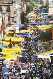 Ambulantes invaden centro historico